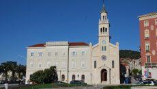 Zbog sumnje u seksualno zlostavljanje maloljetnika jedan fratar u splitskom samostanu Sv. Frane suspendiran je, a Splitsko-makarska nadbiskupija provodi internu istragu. Zanimljivo je što im nije palo na pamet o […]